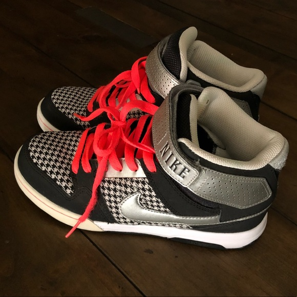 nike womens shoes with velcro strap